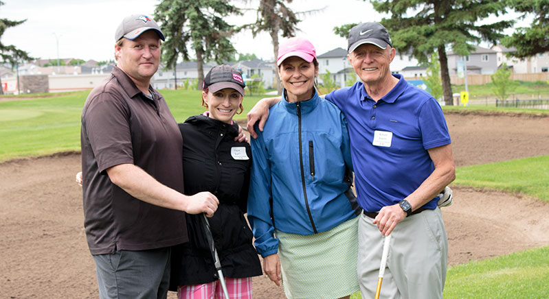 YMCA-Board-CHair-Estelle-Asslin-and-her-golfing-group