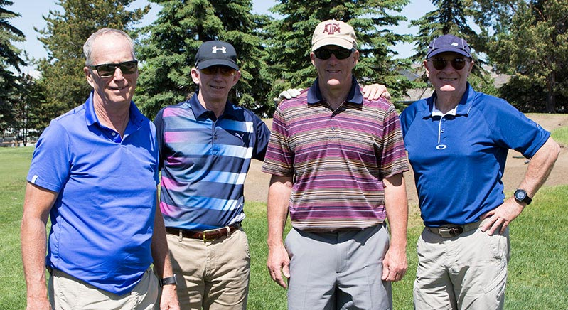 Ken-Blasius-and-his-group-of-golfers