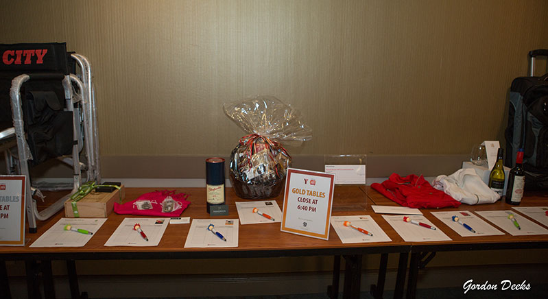 Golf-reception-and-silent-auction-items